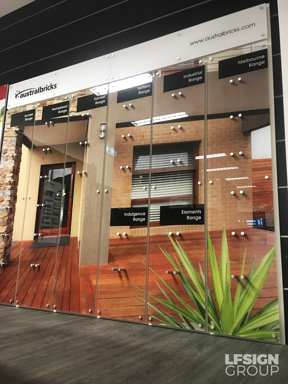 Digital Amp Retail Displays Amp Solutions In Melbourne Lf Signs